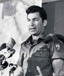 Инициатор операции «Шаровая молния» генерал Дан Шомрон
