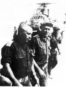 Ариэль Шарон после битвы у Абу-Агейлы (Синай) в 1967 году