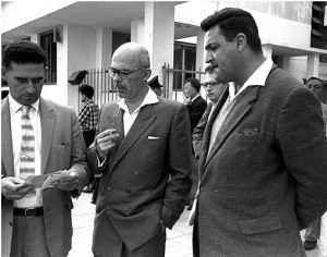 Георг-Исраэль Бар (в центре)
