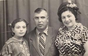 Светлана Цысарь с папой и мамой