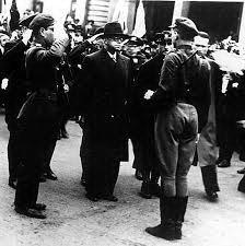 Зеев Жаботинский принимает парад Бейтара в Ковно, 1938 г.