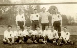 «Karlsruher», 1909 г. Юлиус Хирш в нижнем ряду справа