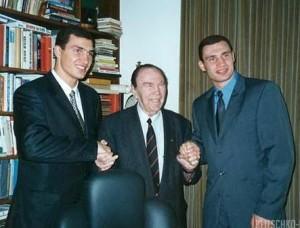 Владимир и Виталий Кличко с Максом Шмелингом, середина 1990-х