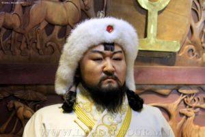 Чингисхан. Выставка восковых фигур. Театральный музей. Улан-Батор