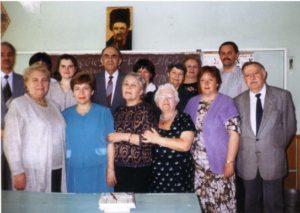 И. В. Торчинский (второй ряд, в центре) с учениками