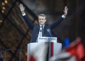 Новым президентом Франции стал молодой проевропейский политик Эммануэль Макрон