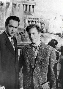 Владимир Высоцкий с «друхом» Михаилом Яковлевым. Москва, ВДНХ, 1959 г.