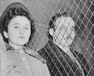 Этель и Юлиус Розенберги. 1951 год.  Фото сделано сразу после вынесения приговора