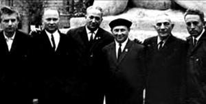 Встреча уцелевших узников Собибора. Слева направо: Е.Литвиновский,  А.Вайспапир, А.Печерский, А.Вайцен, Н.Плотницкий, С.Розенфельд