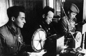 Ортенберг с Симоновым в Сталинграде на фронтовом узле связи, сентябрь 1942 года