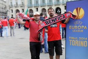 Болельщики «Бенфики» перед матчем в Турине, май, 2014 г.