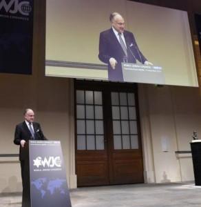 Выступает Президент Всемирного еврейского  конгресса Рональд С. Лаудер