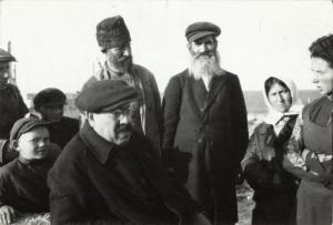 Самуил Любарский с еврейскими колхозниками