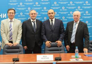 В Министерстве внутренних дел Украины. Слева направо:  Андрей Адамовский; Роберт Зингер; Тигран Авакян, Борис Фуксман