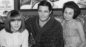 С женой Флорой Карабелла и дочерью Барбарой
