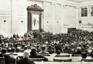 При всех царях российское правительство обещало лишь медленное и постепенное расширение прав евреев