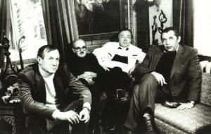 Евгений Евтушенко, Булат Окуджава, Андрей Вознесенский, Роберт Рождественский на даче Евтушенко в Переделкино, 1980-е гг.