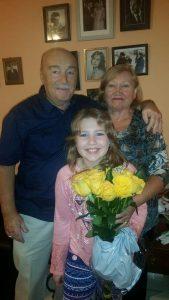 Сима с женой Галиной и внучкой Анечкой