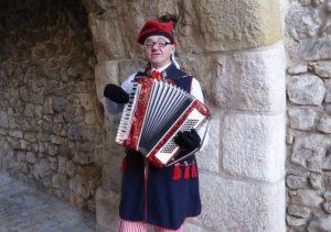 Этот краковский музыкант сказал во время разговора с нашим корреспондентом: «Не надо забывать прошлое, но надо жить настоящим и будущим. Да здравствует польско-израильская дружба!»
