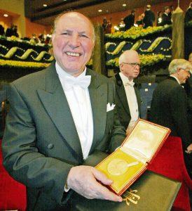 Имре Кертес после вручения Нобелевской премии