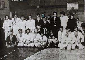 Рудольф Каценбоген с учениками, 1970-е. Во втором ряду крайний слева — Лесь Подервянский. В первом ряду второй слева — Борис Шелест, сын бывшего первого секретаря ЦК КПУ Петра Шелеста