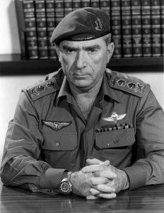Генерал Рафаэл Эйтан, руководивший операцией
