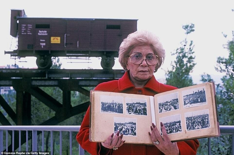 Лили Якоб и найденный ею фотоальбом. Он носит название «Альбом Аушвица» и считается одним из наиболее важных свидетельств о гибели миллионов невинных людей