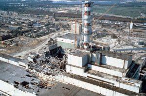 Чернобыльская АЭС спустя несколько недель после катастрофы