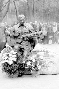Открытие памятника Бернесу 12 октября 2011 года