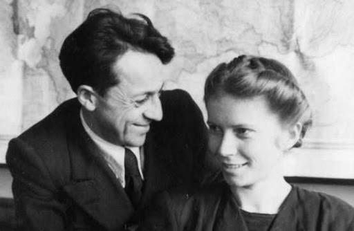 А. Соболев с супругой, 1947г.