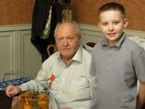 Владимир Проничев с внуком
