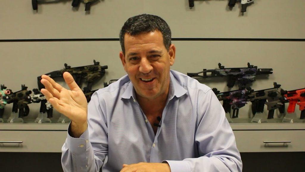 Майки Хартман после службы возглавил американо-израильскую компанию по разработке и производству новых видов