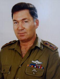 Дан Шомрон