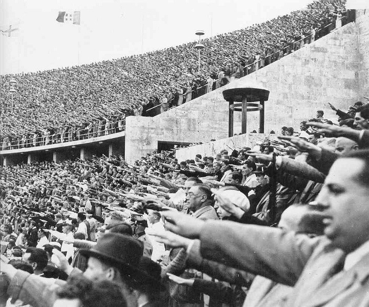 На олимпийском стадионе, Берлин, 1936